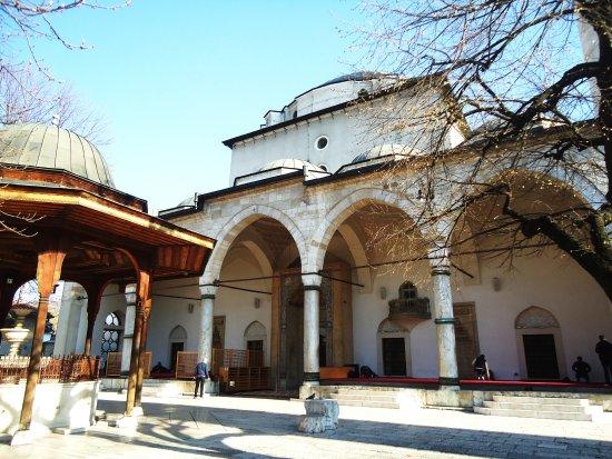 Gazi Husrev-beg Mosque: Mosque