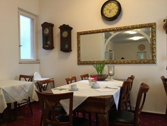 Hotel Gottardo Garni: Beim Frühstück