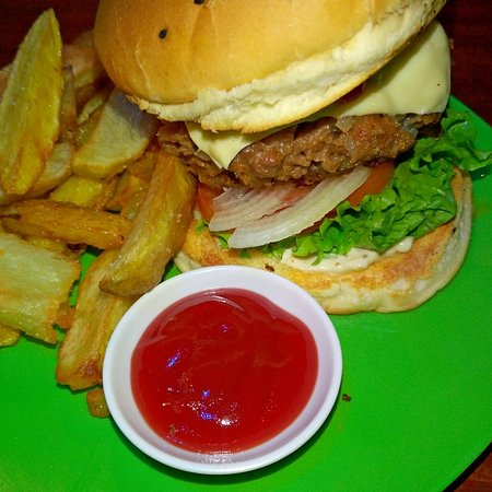 The Hangout: Great burger and chips