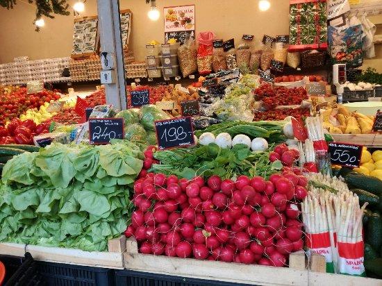 Fény Utca Market
