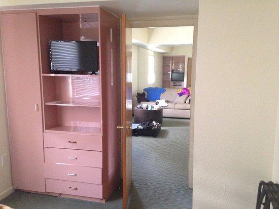 Crystal Beach Suites Hotel: Schlafzimmer