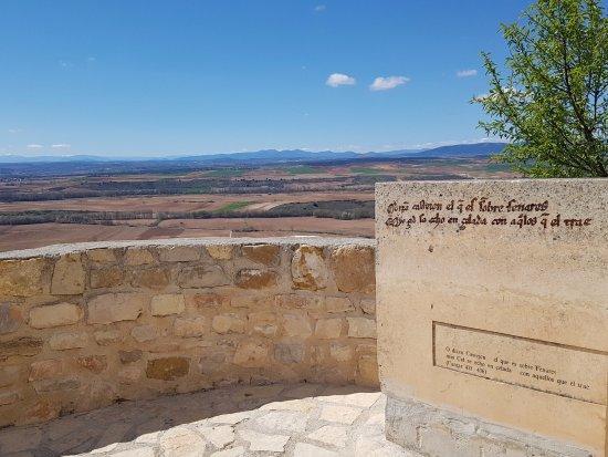 Jadraque, España: view over the mountains at the entrance