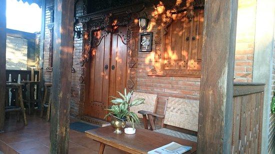 Ndalem Suryo Saptono Guest House
