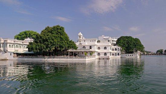 Udaipur Hotels 3 Star AMET HAVELI - U...