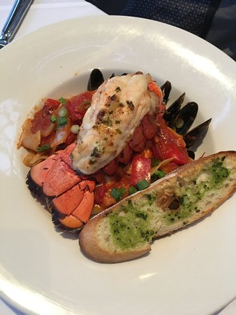 Teahouse in Stanley Park: lobster seafood