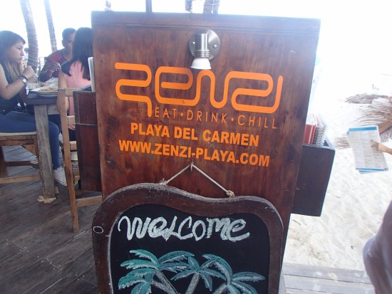 Zenzi Beach Bar & Restaurant: The sign