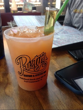 Rusty's Seafood and Oyster Bar: rum drink