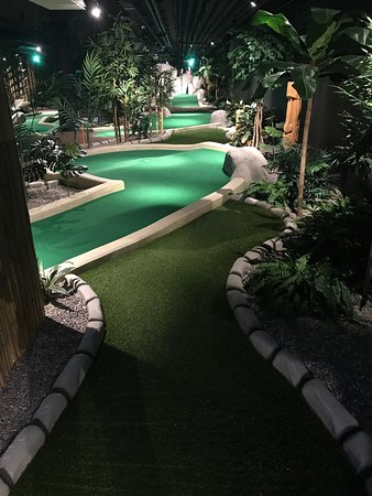 Taby, Sweden: Paradise Adventure Golf