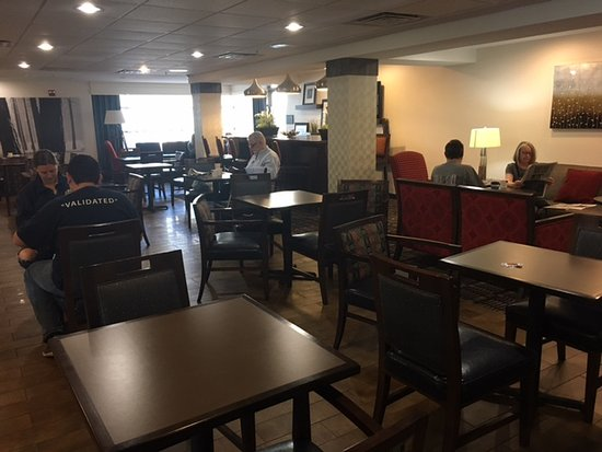 Hampton Inn & Suites Denver Tech Center: Restaurant Interior