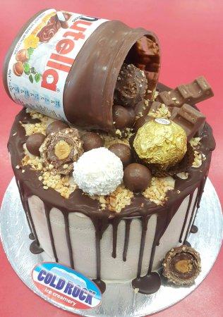 Sensational The Best Ice Cream Cakes In Brisbane Foto Van Cold Rock Ice Personalised Birthday Cards Veneteletsinfo