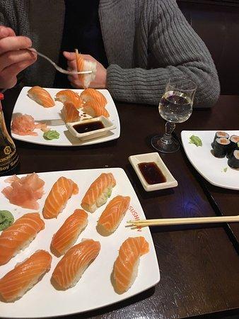 sushi lin les clayes sous bois restaurant avis num ro de t l phone photos tripadvisor. Black Bedroom Furniture Sets. Home Design Ideas
