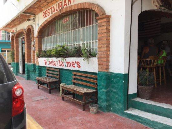 Hinde y Jaime's Bar & Restaurant Photo