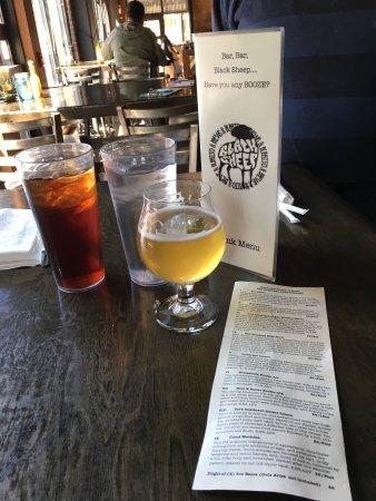 Charleston, Virginia Occidental: Black Sheep Burrito & Brews @ The Brewery
