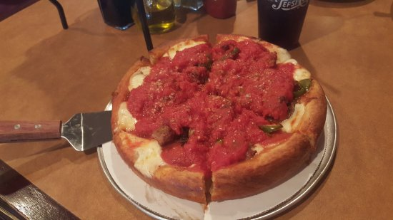 Itasca, IL: Food was amazing!  The family fun atmosphere was great!  We ordered ahead to start the pizza and