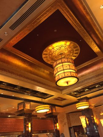 Grand Lux Cafe: photo2.jpg