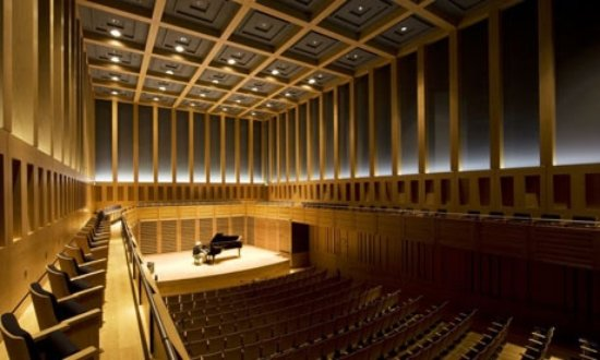 Kings Place: Hall One is modern, comfortable, wonderful acustically & atmospheric