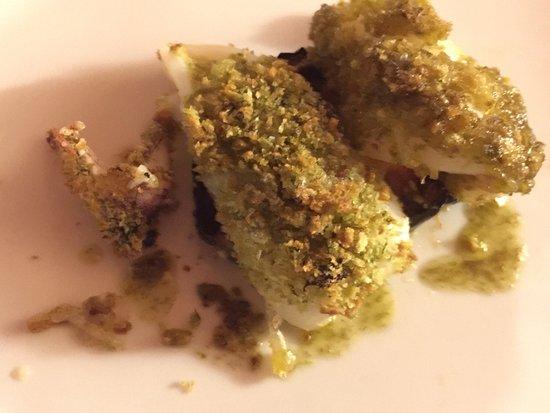 San Gusme, إيطاليا: Vino bianco siciliano , mazzancolle, calamari , pasta norma , paccheri con rana pescatrice .