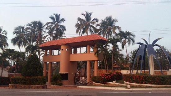 Mendihuaca Caribbean Resort: Entrada al hotel