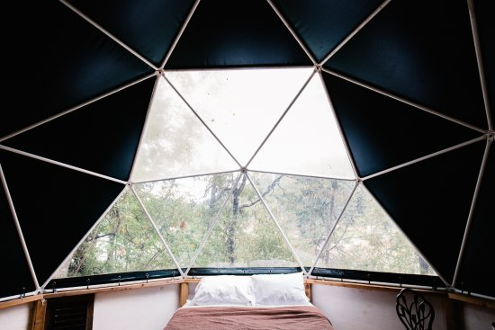 Olga, WA: Stay in a geodesic dome!