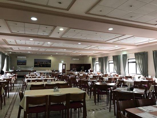 فندق هولي لاند: The friendly staff of the hotel will welcome visitors and accommodate anybody and makes sure you