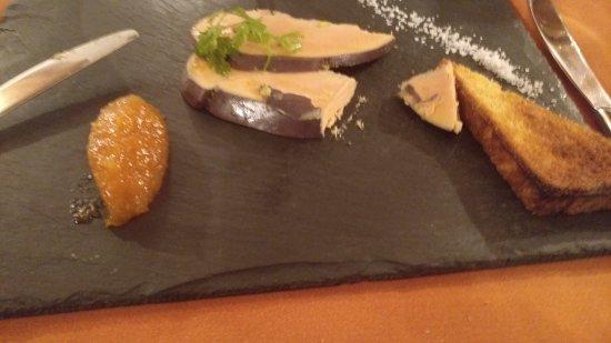 Foie gras au vin de Savoie.