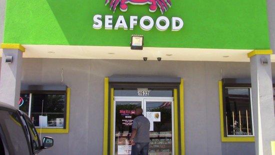 Gretna, LA: Front Entrance.