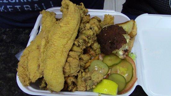 Gretna, LA: Fried Seafood Platter.