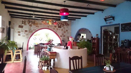 La Danta Cafe y Restaurante: Fun interior