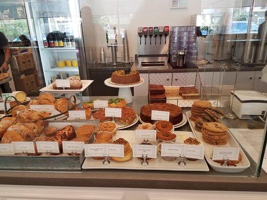 San Dimas, CA: Bakery goods