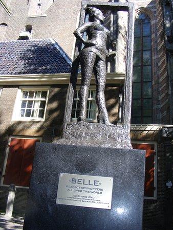 "Statue ""Bell"""