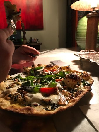 Bar Mercurio: I am a believer... of great PIZZA... and more!