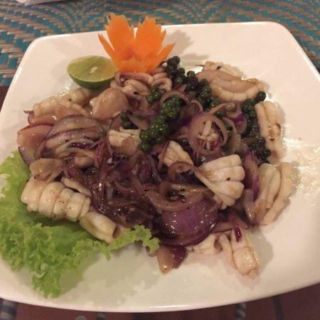 Genevieve's Restaurant: squid was very good