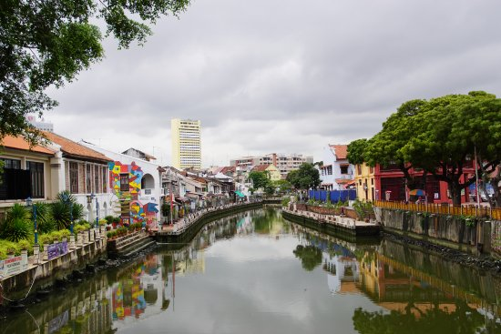 The Explorer Hotel: Paseando por los canales de Malaca
