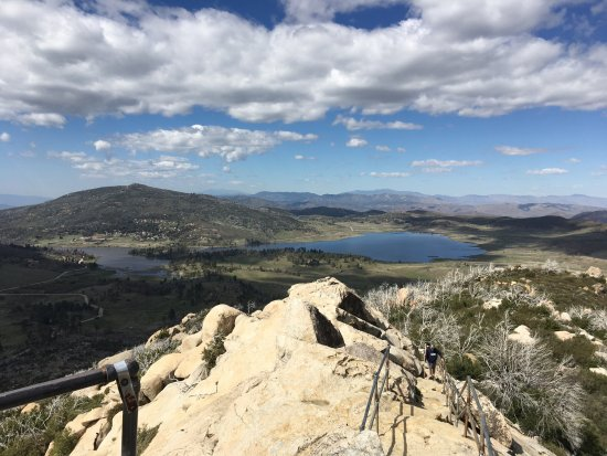 Descanso, CA: The view from Stonewall Peak at the lake
