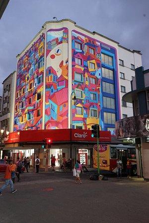 Hotel Presidente : New facade - mural