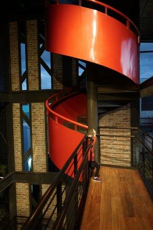 Hotel Presidente : stairways to rooftop