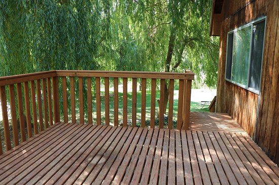 Preston, ID: Lodge (large deck off kitchen with barbecue grill & smoker)