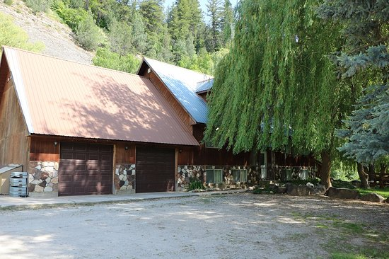 Preston, ID: Lodge at Cub River Guest Ranch (Sleeps 52)