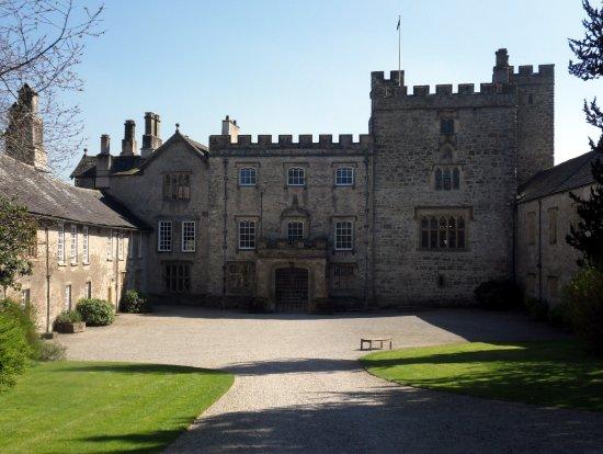 Kendal, UK: Sizergh Castle, Courtyard