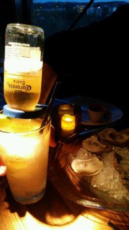 Landry's Seafood House: Caronarita and Oysters on half shell
