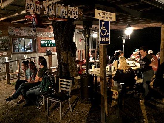 Quitman, TX: Outdoor seating