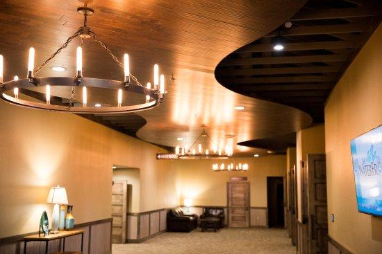 Bridges Bay Resort: Lakefront Event Prefunction Space