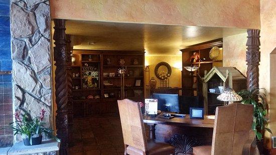 Avila La Fonda Hotel: TA_IMG_20170408_180442_large.jpg