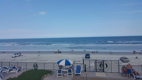 Dolphin Beach Club: 20170402_161211_large.jpg