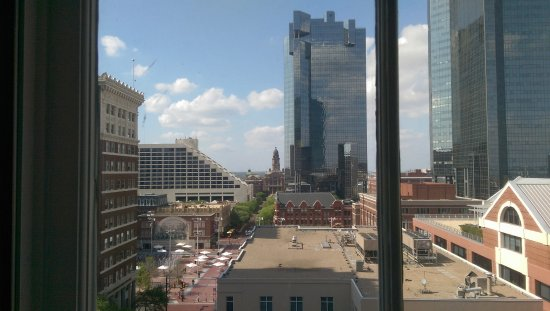 Courtyard Fort Worth Downtown/Blackstone: Nice view of sundance square
