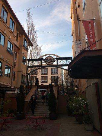 Inn at the 5th: photo8.jpg
