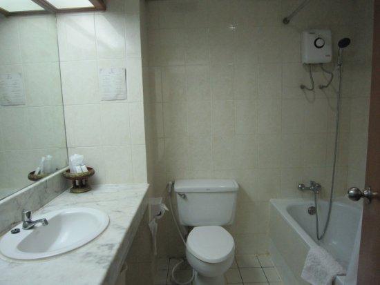 Tapae Place Hotel: 4バスルーム
