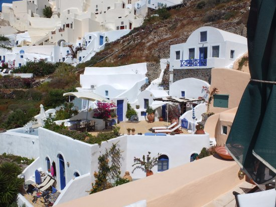 Ifestio villas in the heart of Oia !
