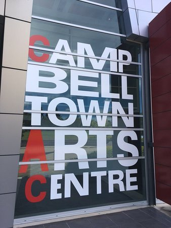 ‪Campbelltown Arts Centre‬