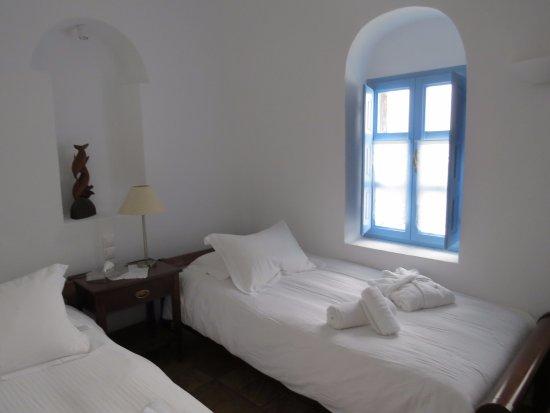 Pantelia Suites: children's room